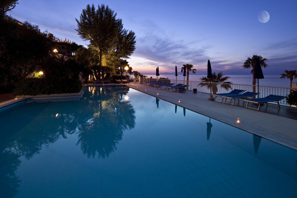 hotel-continental-mare-ischia-piscina5