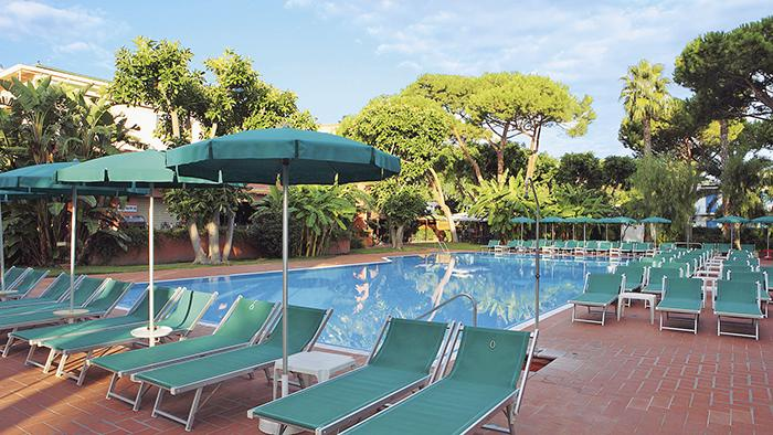 17296_z_GH delle Terme Re Ferdinando_piscina esterna_G