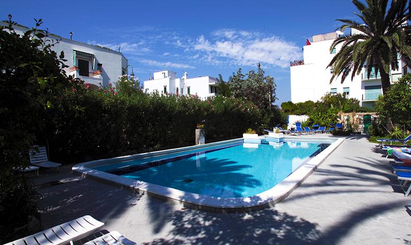 imperial-e-villa-paradiso-ischia-piscina-2