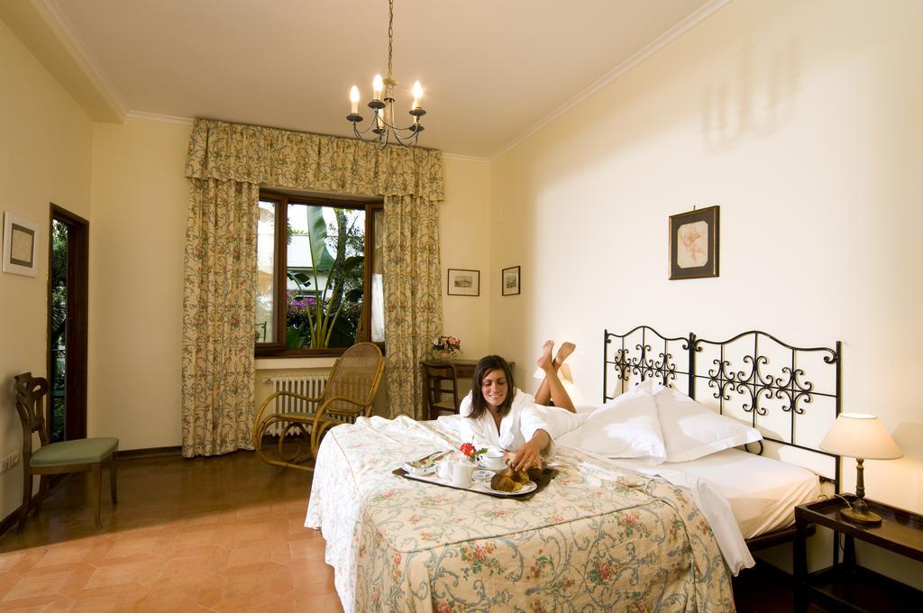hotel-la-villarosa-ischia-camera-1