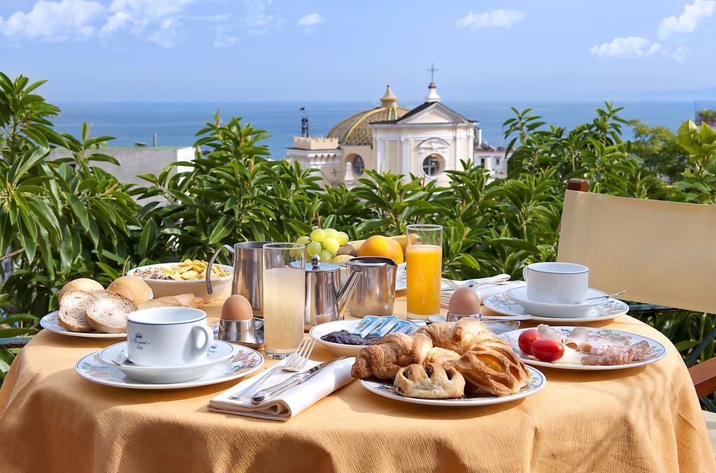 hotel-la-villarosa-ischia-colazione