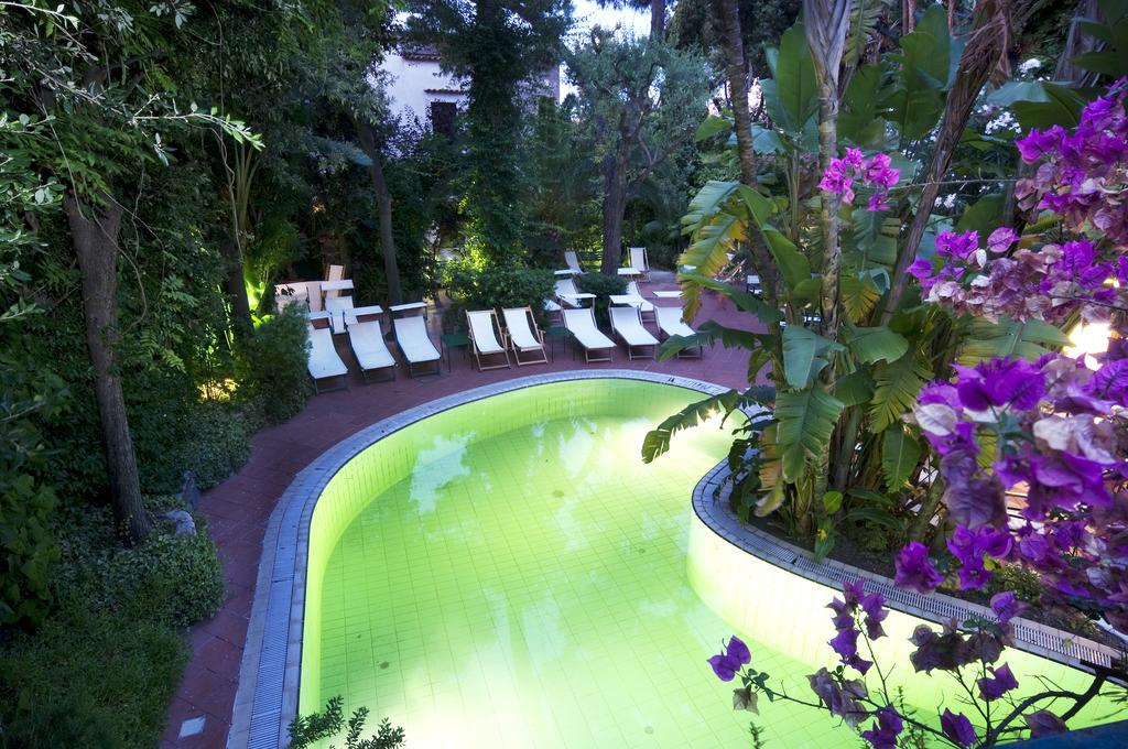 hotel-la-villarosa-ischia-piscina-1