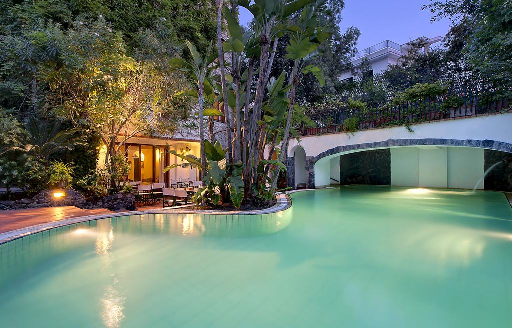 hotel-la-villarosa-ischia-piscina