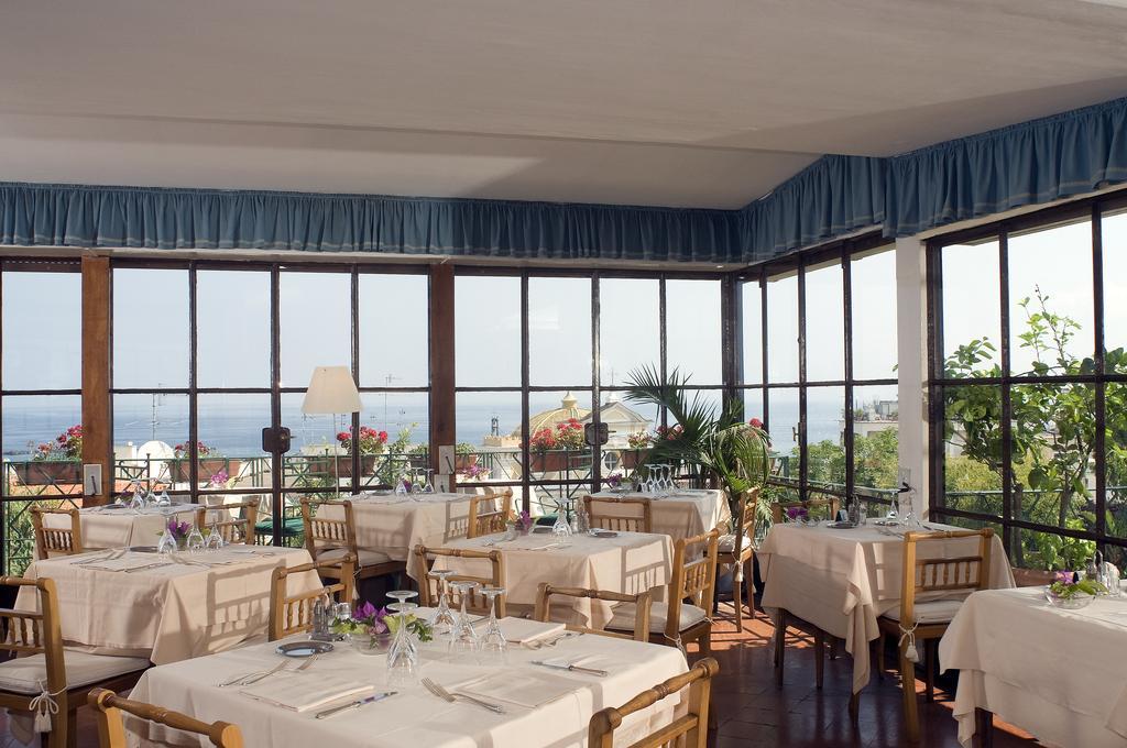 hotel-la-villarosa-ischia-sala-2