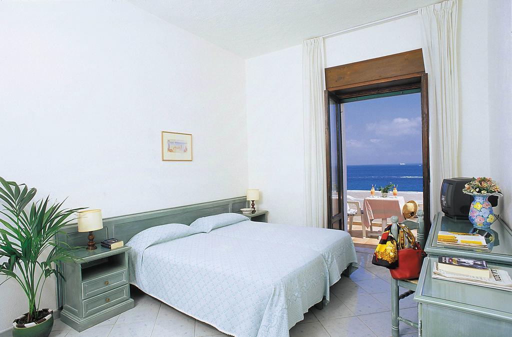 hotel-parco-aurora-ischia-camera-2