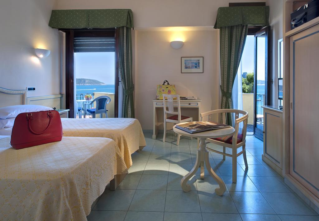 hotel-parco-aurora-ischia-camera