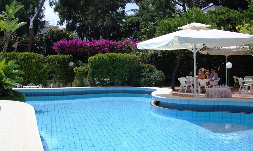 hotel-royal-terme-ischia-piscina-1