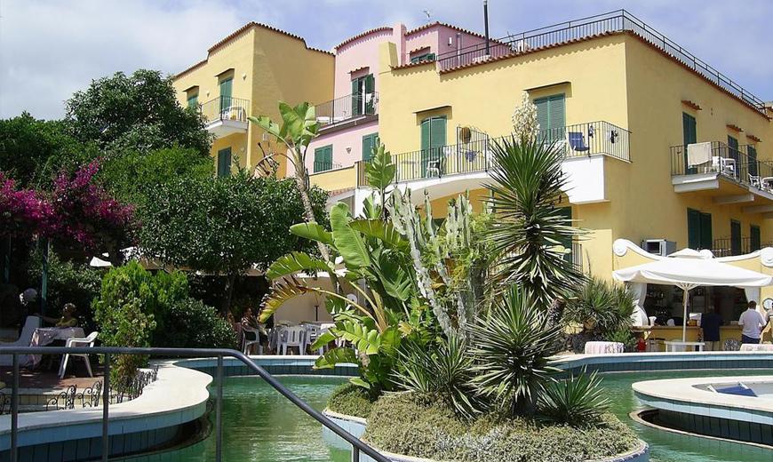 hotel-royal-terme-ischia-piscina