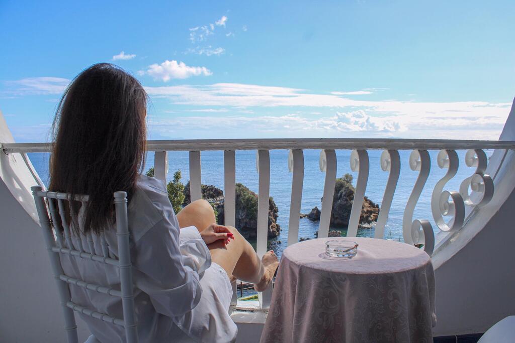 hotel-delfini-2