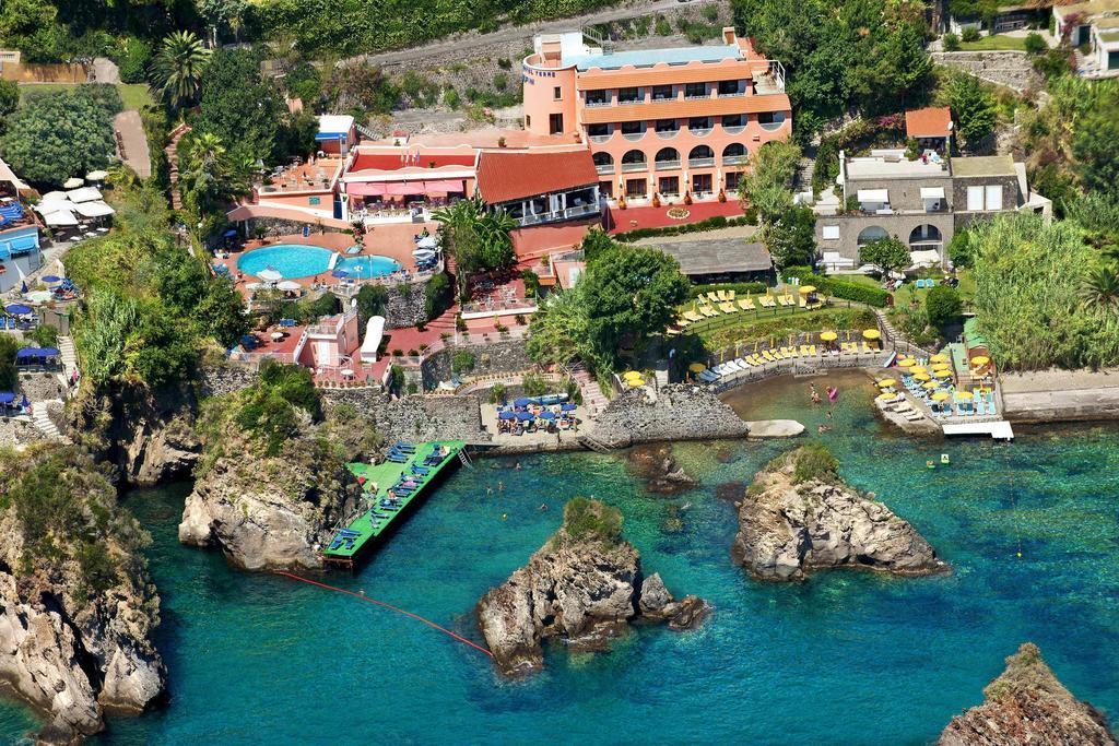 hotel-delfini-10