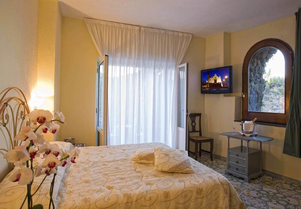 hotel-delfini-11