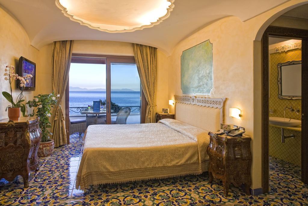 hotel-delfini-14