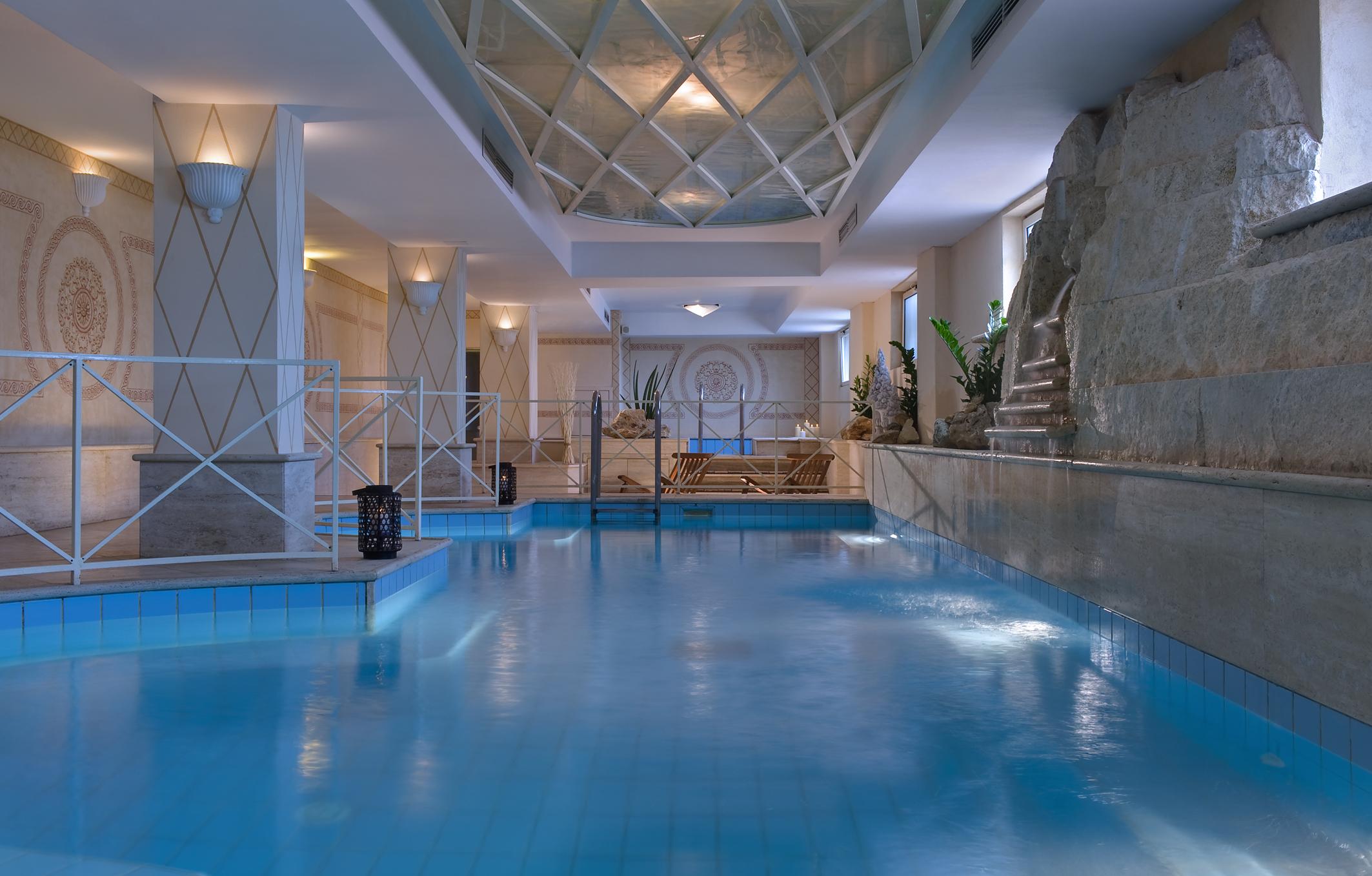 mc-pool-indoor